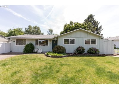Canby Single Family Home For Sale: 155 NW 13th Ave