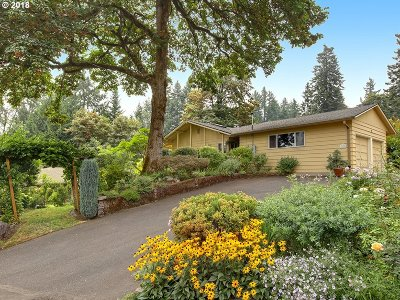 West Linn Single Family Home For Sale: 2122 Dillow Dr