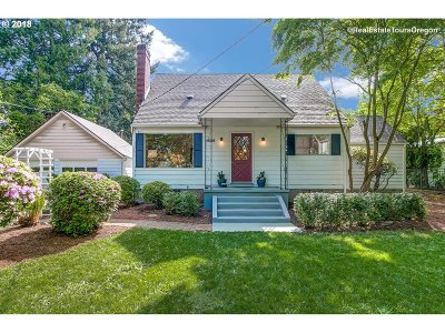 Milwaukie Single Family Home For Sale: 14206 SE Redwood Ave