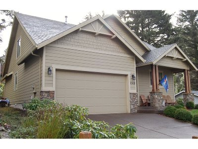 Lincoln City Single Family Home For Sale: 2308 NE 36th Dr