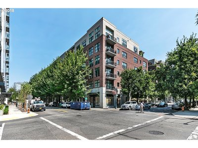 Condo/Townhouse For Sale: 820 NW 12th Ave #612