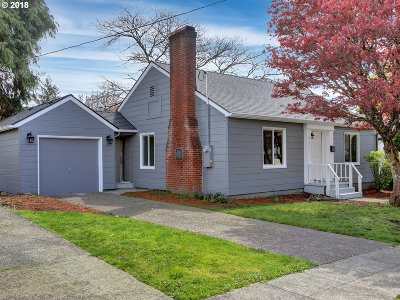 Milwaukie, Gladstone Single Family Home For Sale: 615 E Dartmouth St