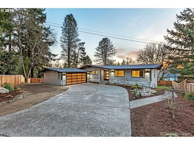 Portland Single Family Home For Sale: 715 NW 110th Ave