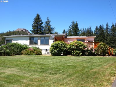 Gold Beach OR Single Family Home For Sale: $275,000