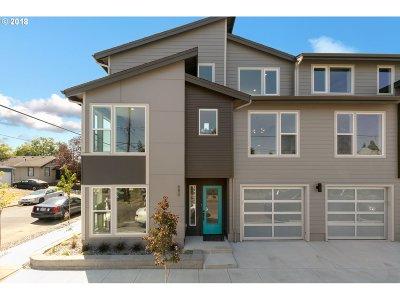 Multnomah County Multi Family Home For Sale: 660 NE Webster St