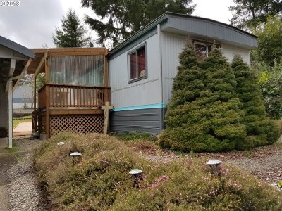 Coos Bay Single Family Home For Sale: 1465 Village Pines Ave