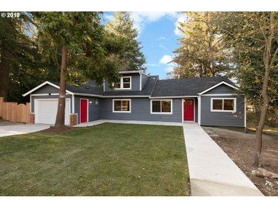 Portland Single Family Home For Sale: 9135 SW 80th Ave
