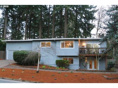 Lake Oswego Single Family Home For Sale: 1714 Greentree Rd