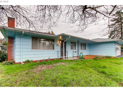 Single Family Home For Sale: 663 SE 175th Pl