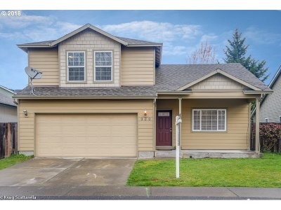 Portland Single Family Home For Sale: 909 NE Mariners Loop