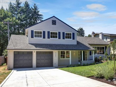 Single Family Home For Sale: 6285 SW Elm Ave