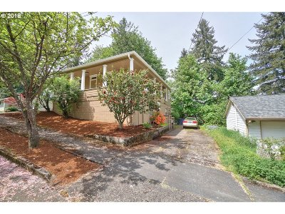 Oregon City Single Family Home For Sale: 301 Monroe St