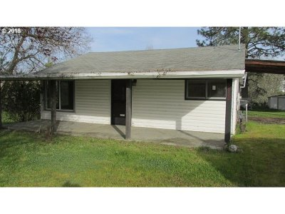 Roseburg OR Single Family Home For Sale: $129,900