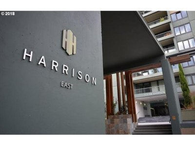 Condo/Townhouse For Sale: 111 SW Harrison St #5E