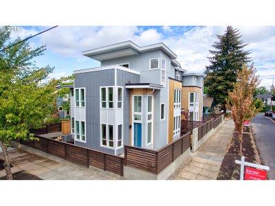 Condo/Townhouse For Sale: 3255 NE Prescott St