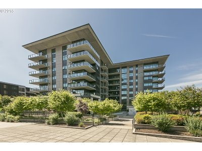 Portland Condo/Townhouse For Sale: 1830 NW Riverscape St #305