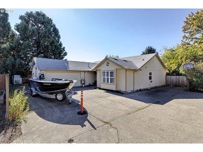 Hillsboro Single Family Home For Sale: 1259 NE 17th Ave