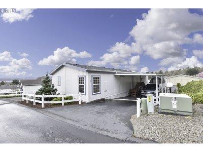Kalama Single Family Home For Sale: 5400 Meeker Dr #70