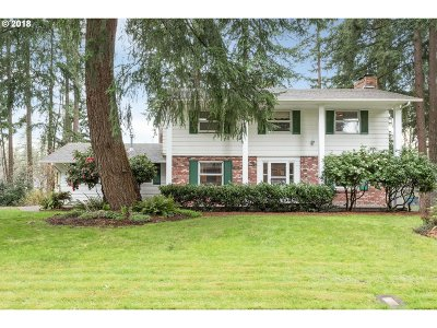 Clackamas Single Family Home For Sale: 14382 SE Charjan St