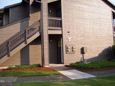 Beaverton Condo/Townhouse For Sale: 9540 SW 146th Ter #T-3