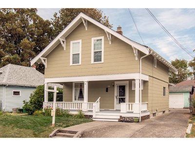 Single Family Home For Sale: 4235 SE Main St