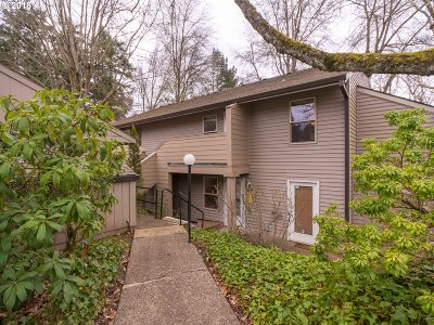 Portland Condo/Townhouse For Sale: 4406 SW Dickinson St