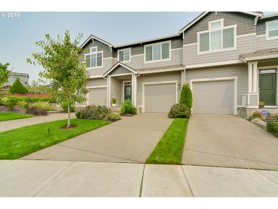 Clackamas Single Family Home For Sale: 15735 SE Kingbird Dr