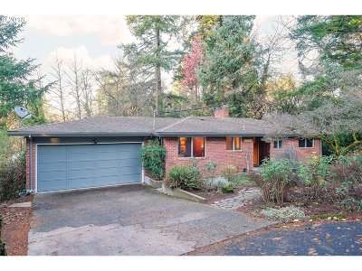 Portland Single Family Home For Sale: 11295 SW Capitol Hwy