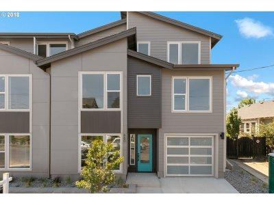 Single Family Home For Sale: 660 NE Webster St