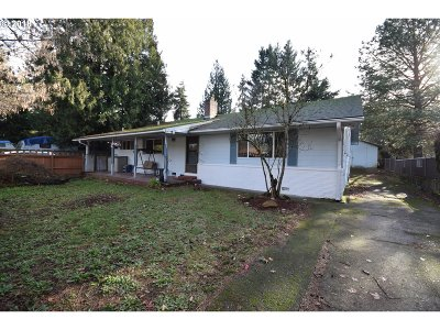 Portland Single Family Home For Sale: 13448 SE Foster Rd
