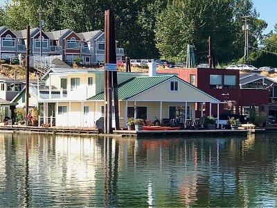 Clackamas County, Multnomah County, Washington County Single Family Home For Sale: 415 N Bridgeton Rd #1