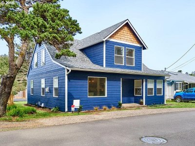 Lincoln City Single Family Home For Sale: 2945 SW Coast Ave