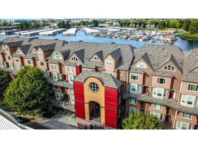 Portland Condo/Townhouse For Sale: 905 N Harbour Dr #31