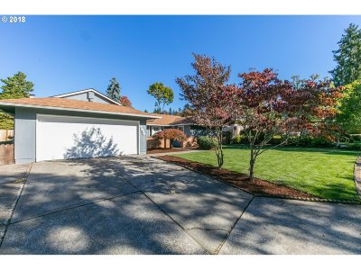 Clackamas County Single Family Home For Sale: 7535 Springhill Dr