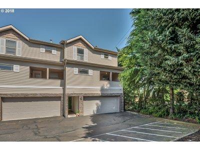 Portland Single Family Home For Sale: 12130 NE Fremont St #4