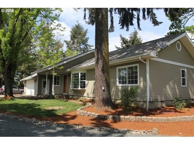 Junction City Single Family Home For Sale: 30406 Riverview Dr