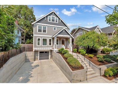 Single Family Home For Sale: 3215 SE Brooklyn St