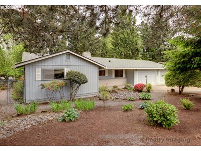 Portland Single Family Home For Sale: 9585 SW Imperial Dr