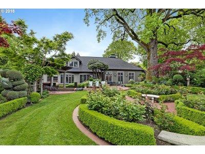 Single Family Home For Sale: 2835 SE Carlton St