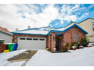 Portland Single Family Home For Sale: 1248 SW Cardinell Way