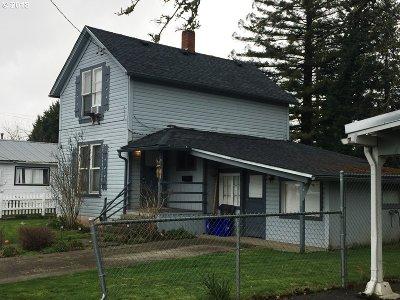 Roseburg Single Family Home For Sale: 457 W Harrison St