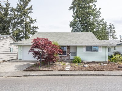 King City Single Family Home For Sale: 16700 SW Queen Anne Ave