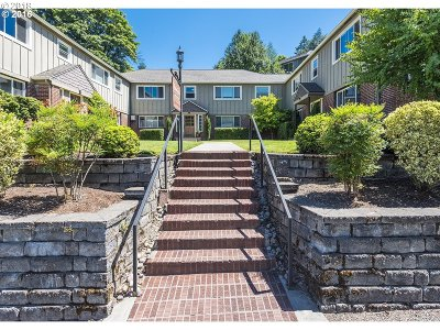 Portland Condo/Townhouse For Sale: 2020 NW 29th Ave #4