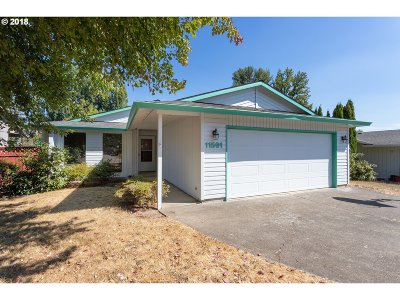 Milwaukie, Clackamas, Happy Valley Single Family Home For Sale: 11591 SE Falbrook Dr
