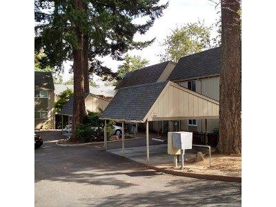 Portland Condo/Townhouse For Sale: 3938 SE 168th Ave