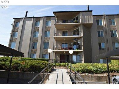 Vancouver Condo/Townhouse For Sale: 5585 E Evergreen Blvd #5202