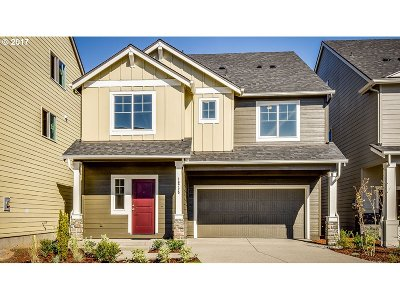 Happy Valley, Clackamas Single Family Home For Sale: 17187 SE Rhododendron St