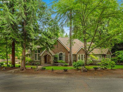 Lake Oswego Single Family Home For Sale: 3130 Douglas Cir