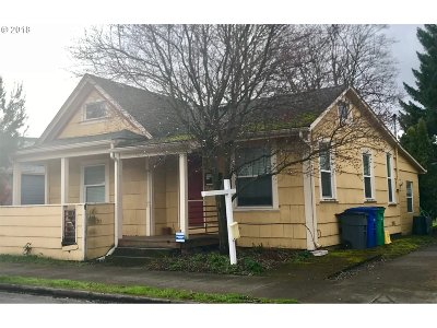 Portland Single Family Home For Sale: 1115 SE 45th Ave