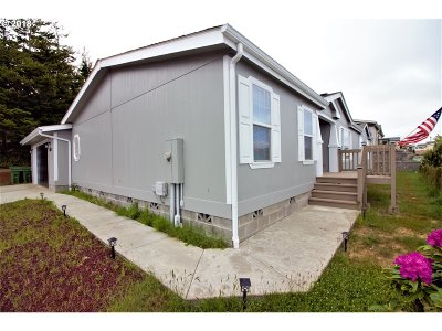 Coos Bay Single Family Home For Sale: 1067 Blanco Ave
